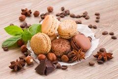 Macarrones del chocolate, del café y del numeg foto de archivo