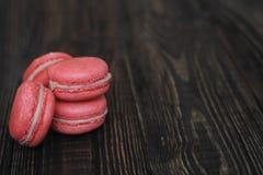 Macarrones franceses dulces y coloridos Imagen de archivo libre de regalías