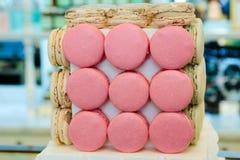 Macarrones multicolores, dulces franceses fotos de archivo libres de regalías