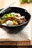 Macarronete com bola de carne, carne de porco da fervura, alimento tailandês Fotografia de Stock Royalty Free