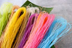 Macarronete seco colorido Fotografia de Stock