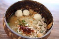 Macarronete tailandês de Tom do alimento yum no estilo tailandês imagem de stock royalty free
