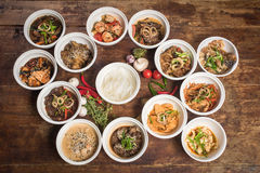 Macarronetes chineses para o frigideira chinesa Foto de Stock