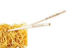 Macarronetes com varas chinesas Imagens de Stock Royalty Free