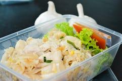 Macarronetes de arroz fritado da agitação Fotos de Stock