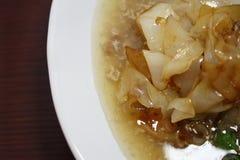 Macarronetes de arroz fritado tailandeses Fotos de Stock