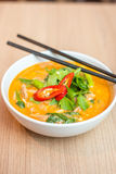 Macarronetes de Tom yum imagem de stock royalty free
