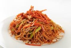 Macarronetes fritados chineses Fotografia de Stock