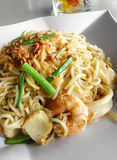 Macarronetes fritados do marisco, estilo tailandês asiático Imagens de Stock