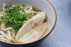 Macarronetes japoneses com sopa Fotos de Stock