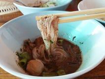 Macarronetes tailandeses deliciosos do barco do alimento Fotos de Stock Royalty Free