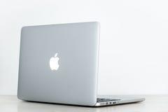 Macbook赞成视网膜13 免版税库存图片