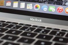 MacBook 12' 1ère GEN d'argent Photos stock