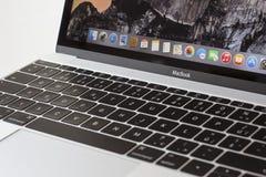 MacBook 12» ασήμι 1$ος GEN Στοκ Εικόνα