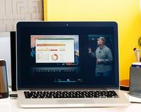 Macbook dotyka baru Pro prezentacja oled i oprogramowanie Obrazy Royalty Free