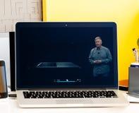 Macbook dotyka baru Pro prezentacja oled i oprogramowanie Obraz Royalty Free