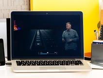 Macbook dotyka baru Pro prezentacja Philip Schiller Zdjęcie Royalty Free