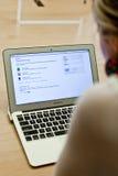 Macbook en venta Fotos de archivo libres de regalías