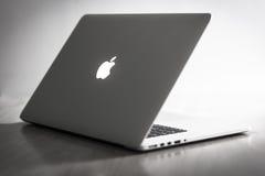 Macbook pro-näthinna Arkivbilder