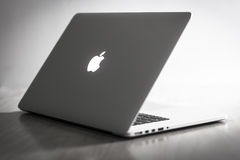 Macbook Proretina stock afbeeldingen