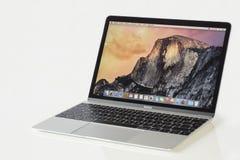 MacBook 12' 1ra GEN de la plata Foto de archivo libre de regalías