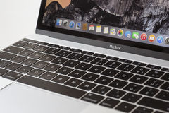 MacBook 12' 1ra GEN de la plata Imagen de archivo