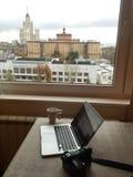 Macbook z cyfrową kamerą obrazy royalty free