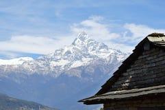 Macchapucchre berg fotografering för bildbyråer