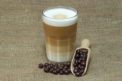 macchiato de latte Images libres de droits