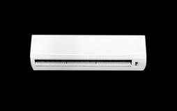 Macchina bianca del condizionatore d'aria di colore isolata su fondo nero Fotografia Stock