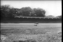 Macchina da corsa che fila fuori controllo, Indianapolis Motor Speedway stock footage