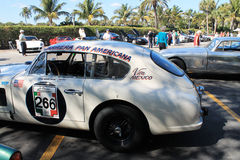 Macchina da corsa d'annata di Aston Martin fotografie stock
