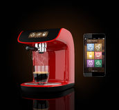 Macchina del caffè del caffè espresso con il touch screen in grado di controllare dallo Smart Phone Rappresentazione 3DCG con il  Fotografie Stock Libere da Diritti