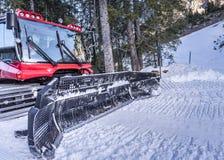 Macchina del groomer della neve, vista frontale Fotografia Stock Libera da Diritti