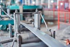 Macchina del laminatoio per il rotolamento della lamiera di acciaio Fotografie Stock Libere da Diritti