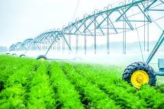macchina di irrigazione di agricoltura immagini stock libere da diritti