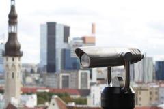 Macchina di osservazione e panorama di Tallinn Fotografia Stock Libera da Diritti