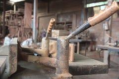 Macchina di Planer alla fabbrica di legno del mulino immagine stock libera da diritti