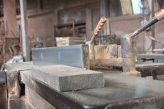 Macchina di Planer alla fabbrica di legno del mulino immagini stock