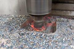 Macchina di verticale del metallo di CNC fotografie stock libere da diritti