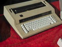 Macchina elettronica della macchina da scrivere di IBM fotografie stock libere da diritti