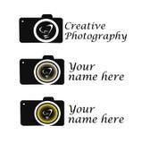 Macchina fotografica creativa di idea di logo di fotografia con l'otturatore della lampadina Fotografia Stock