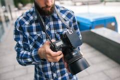 Macchina fotografica del dslr della foto dell'attrezzatura di fotografia immagini stock libere da diritti