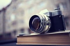 Macchina fotografica dell'annata 35mm SLR immagine stock
