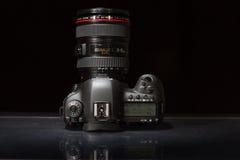 Macchina fotografica della foto di profesional DSLR del segno IV di EOS 5D di Canon Immagine Stock