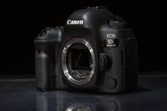 Macchina fotografica della foto di profesional DSLR del segno IV di EOS 5D di Canon Immagini Stock