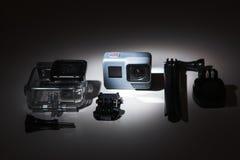 Macchina fotografica di azione dell'EROE 5 di GoPro con gli accessori Immagine Stock Libera da Diritti