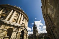 Macchina fotografica di Radcliffe e chiesa dell'università a Oxford Fotografia Stock Libera da Diritti