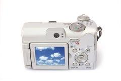 Macchina fotografica digitale compatta isolata su bianco. La parte posteriore vie Fotografia Stock
