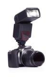 Macchina fotografica e flash su bianco Fotografia Stock Libera da Diritti